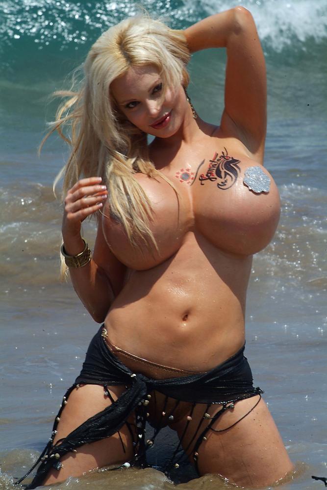 Аргентинская порно звезда с большой грудью