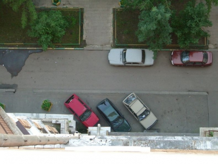 Удивительное рядом. Как котики летают и машины убивают (2 фото)