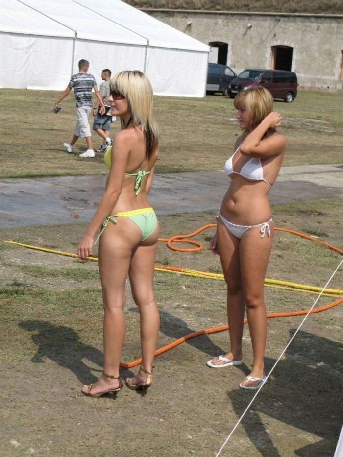 Как девченки машину мыли (20 фото) НЮ