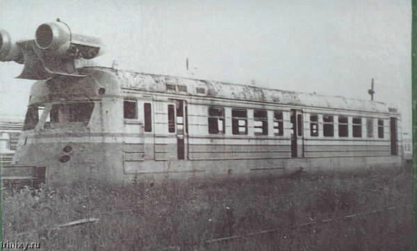 Турбореактивный вагон СВЛ (11 фото)