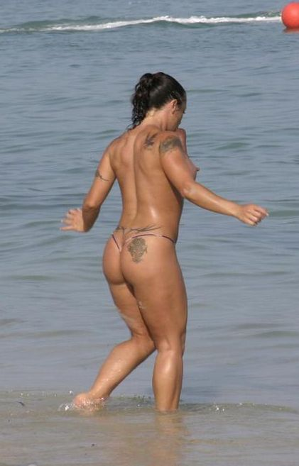 Топлесс на пляже (52 фото) НЮ