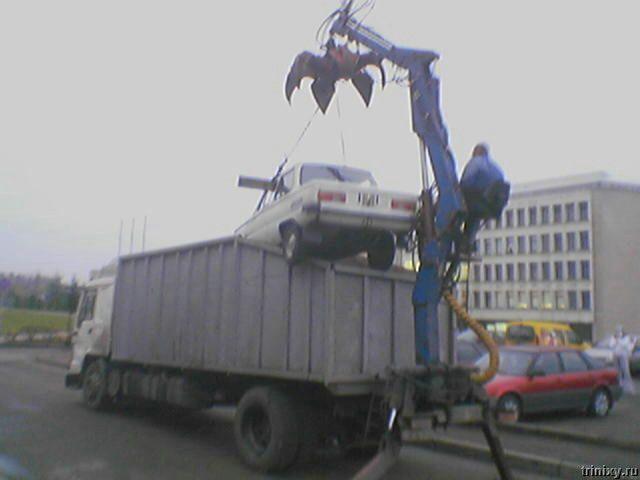 Мусороуборщик или эвакуатор? (5 фото)