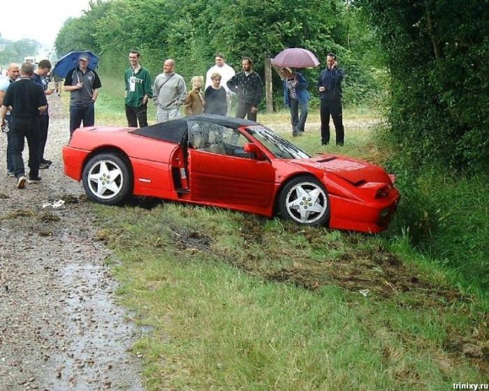 Минус Ferrari (4 фото)
