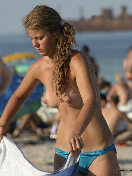 Девушки топлес (40 фото) МНОГО НЮ