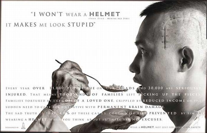 Социалка про шлемы (3 фото)