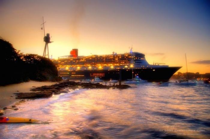 Круизный лайнер Queen Mary II (28 фото)