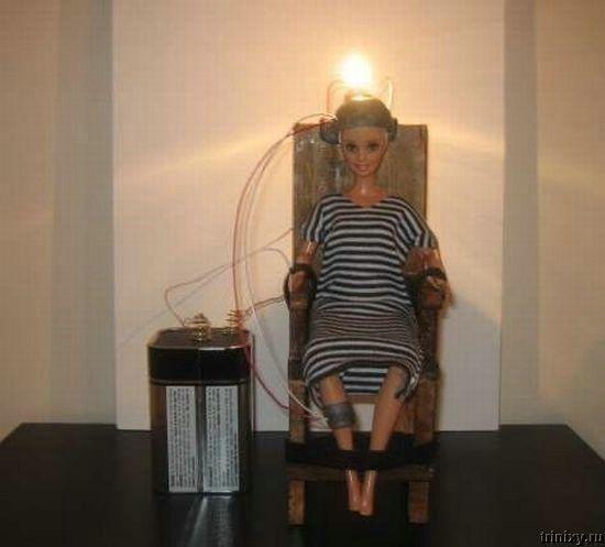 Казнить Барби (13 фото)