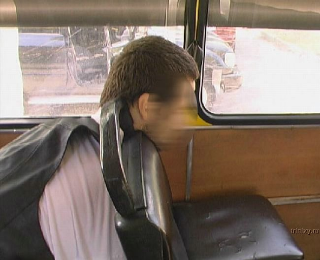 Ужас дня. В Киеве водитель маршрутки умер от передозировки на рабочем месте (7 фото)
