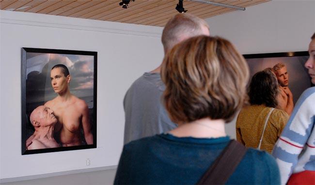 Вандалы против искусства (9 фото)