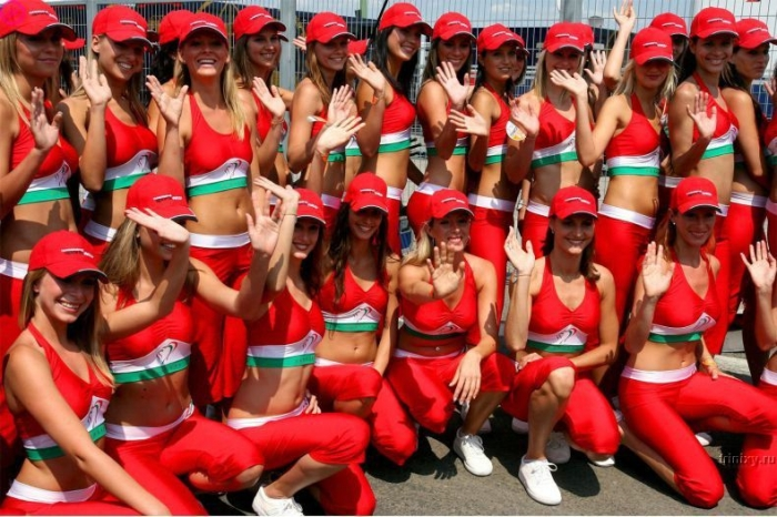 Девушки Formula 1 (15 фото)