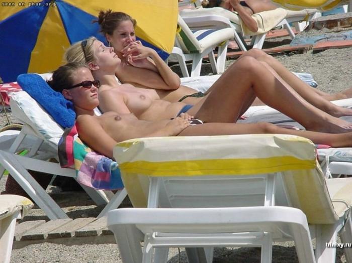 Девушки на пляже (50 фото) НЮ