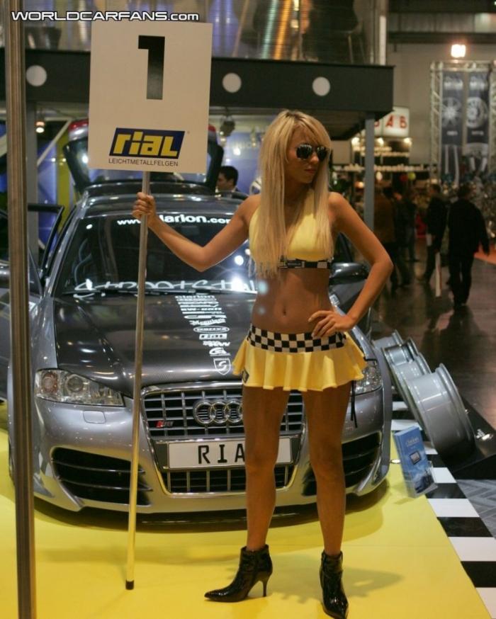 """Девушки выставки """"Essen Motor Show - 2007"""" (31 фото)"""