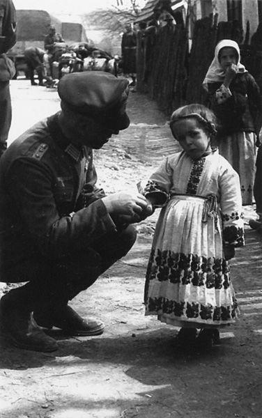 Жители советских деревень во время Второй мировой войны глазами немецких солдат (34 фото)