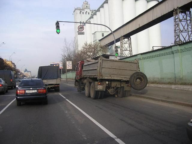 Опасный грузовик (5 фото)