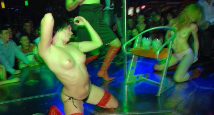 Стриптизы в клубах Донецка (53 фото НЮ)