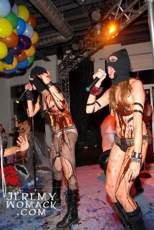 Будни женской панк-рок группы (30 фото)