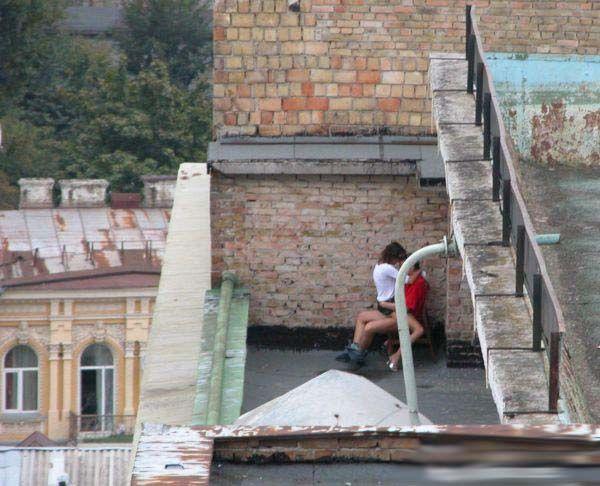 Свидание на крыше (5 фото)