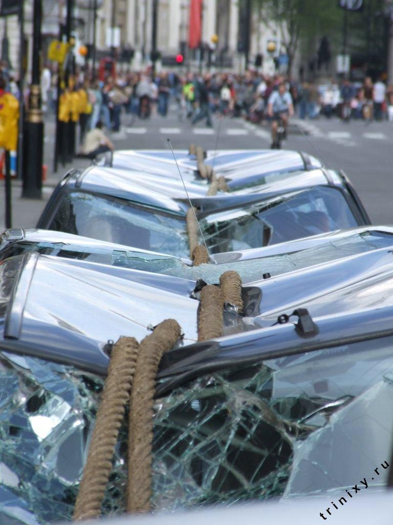 Почему не стоит парковаться в запрещенных местах.... пришьют ))) (4 фото)