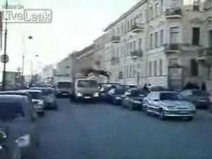 Беспредел на дорогах (2 видео)