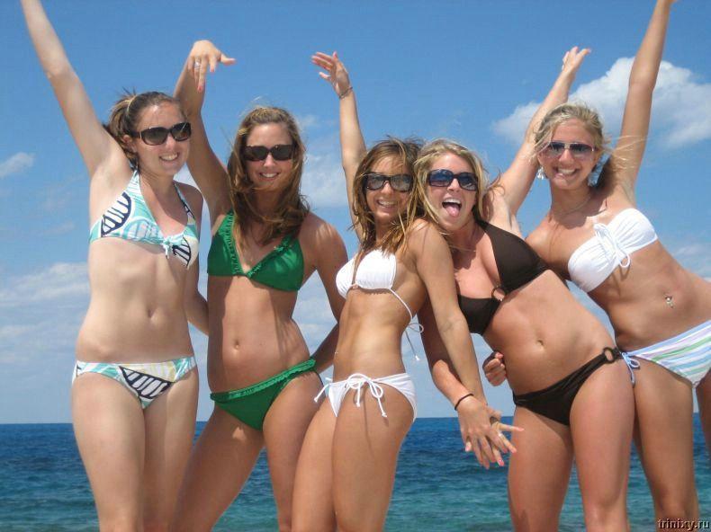 Большая подборка девушек в бикини (100 фото)