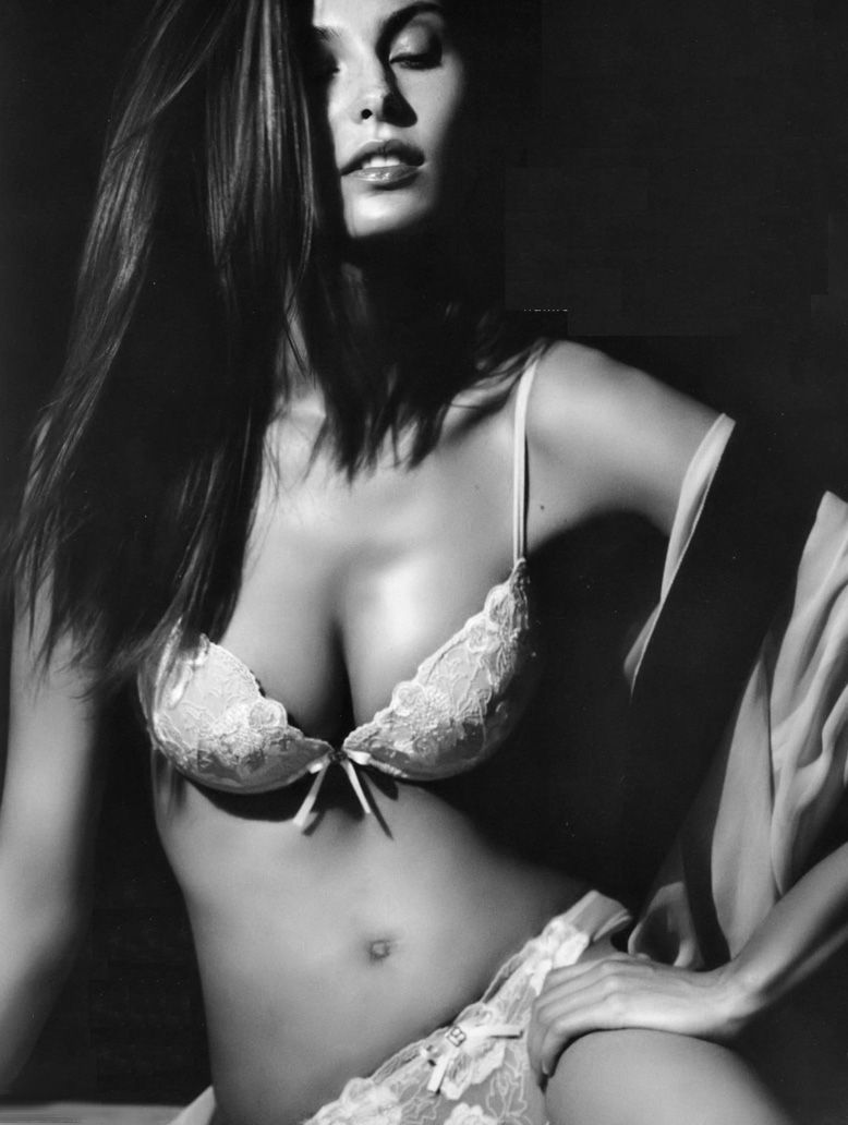 Jodie Prenger Nude Photos 30