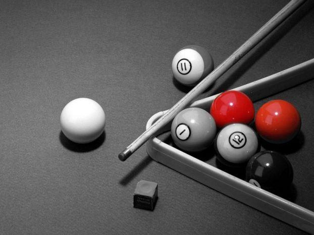 Красный на черно-белом (19 фото)