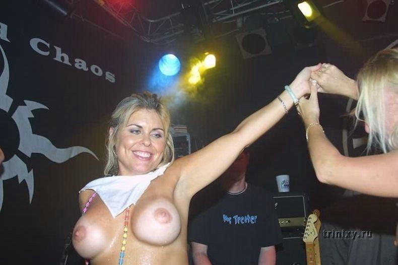 Девушки клубятся (26 фото) НЮ
