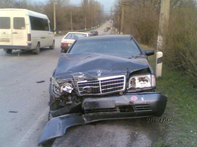 Не разъехались на дороге (5 фото)