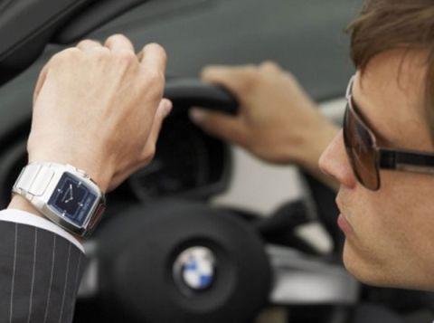 Деньги есть, машина есть, часы прикольные – тоже есть…