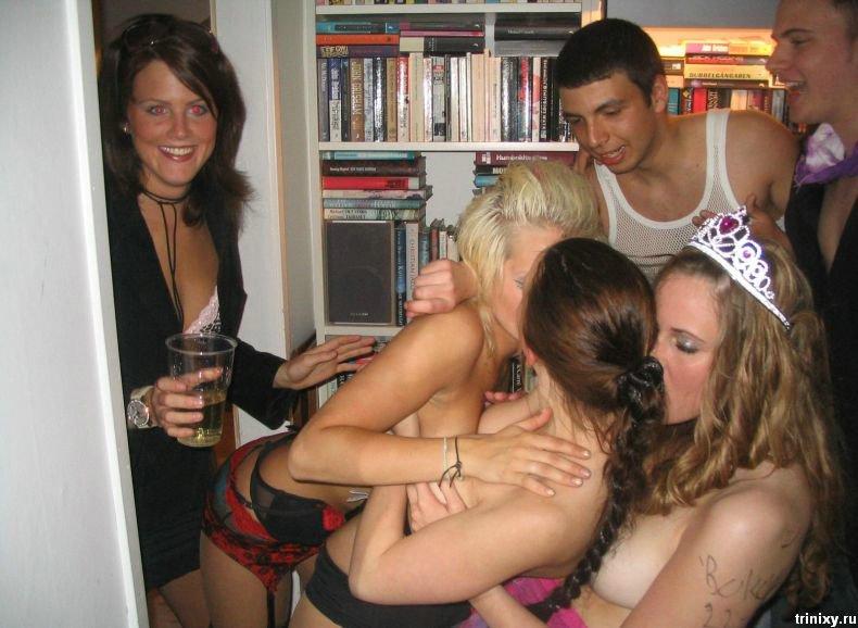 Студенческая вечеринка (34 фото) НЮ
