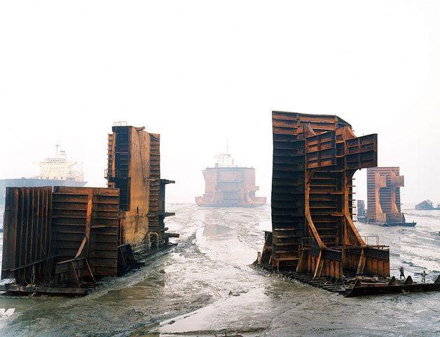Читтагонг (Chittagong) - место, где разделывают корабли (80 фото)