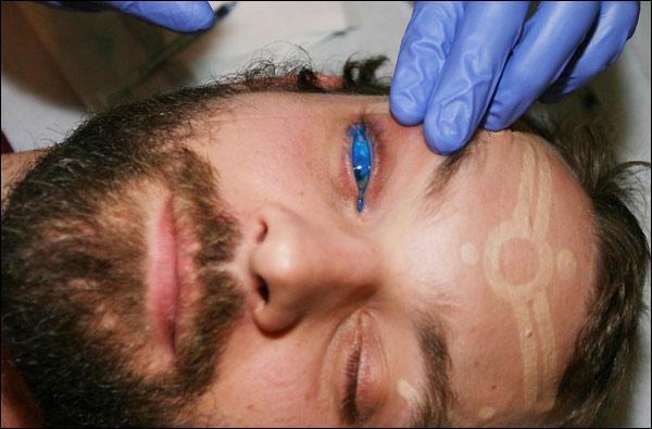 Жесть. Очередная татуировка глаза (5 фото)