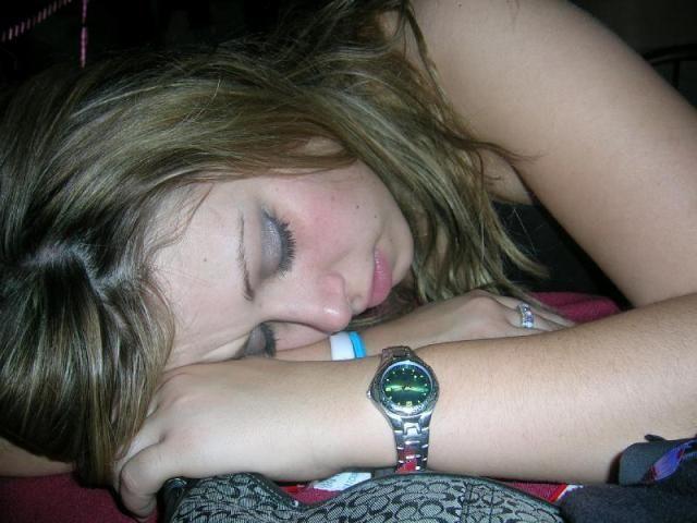 смотреть фото пьяных спящих девушек 4часть