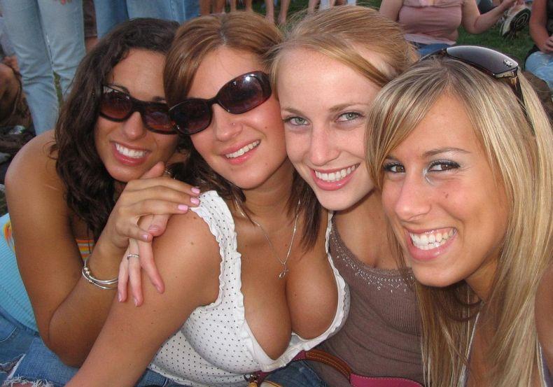 Пятничные девушки (29 Фото)