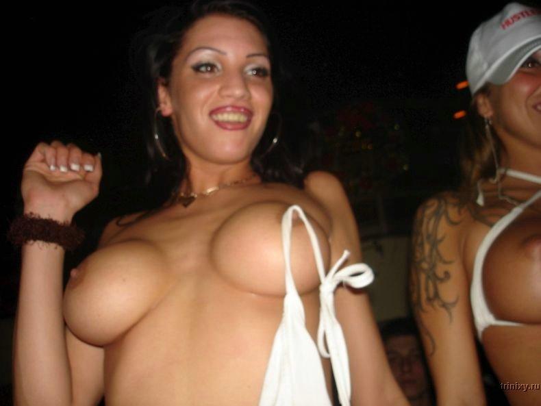 Стриптиз в каком-то клубе (36 фото)