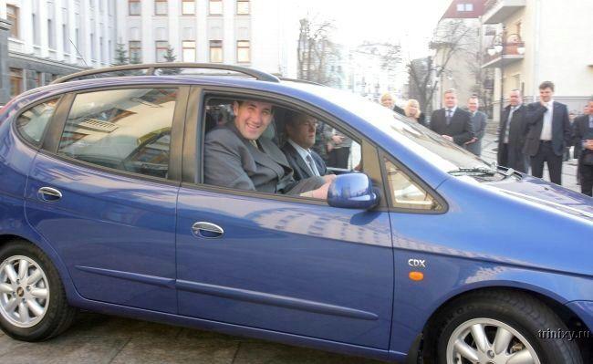 Новая машина и велик (11 фото)
