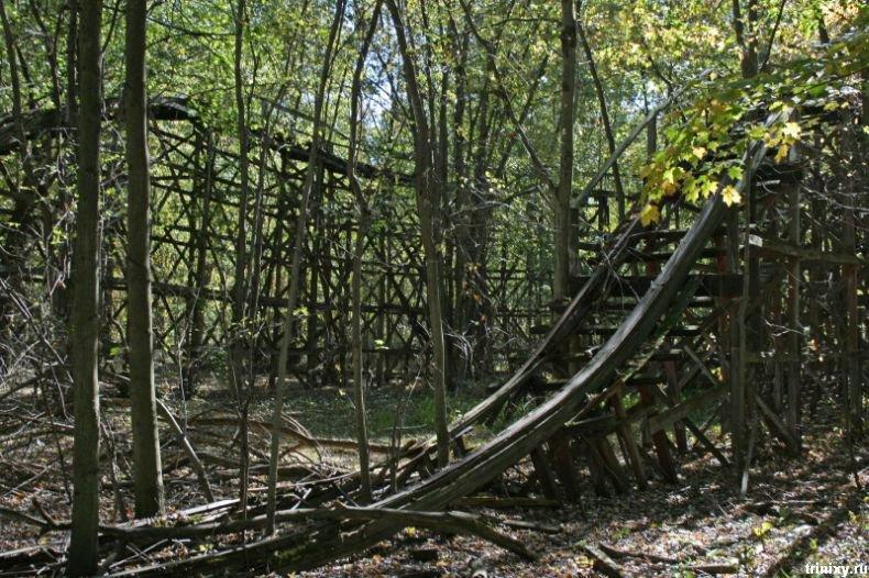 Заброшенные атракционы в лесах штата Огайо (17 фото)