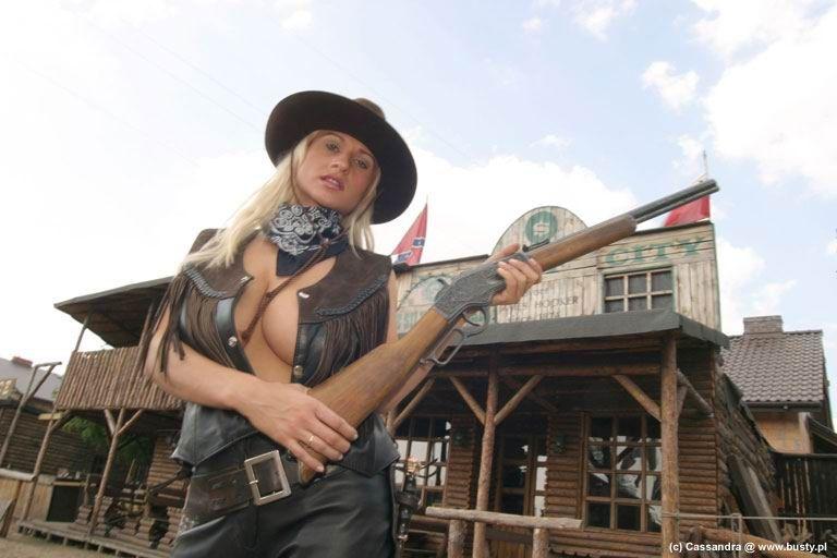 http://trinixy.ru/pics3/20080331/podb/11/cowgirls_01.jpg