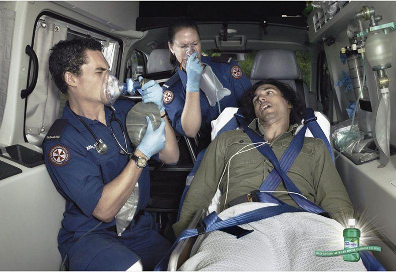 Прикольная реклама освежителя дыхания (3 фото)