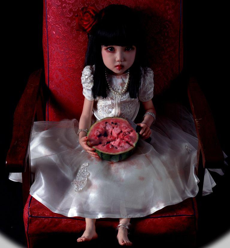 Доминирующая тема работ китайского фотографа - детская чистота и