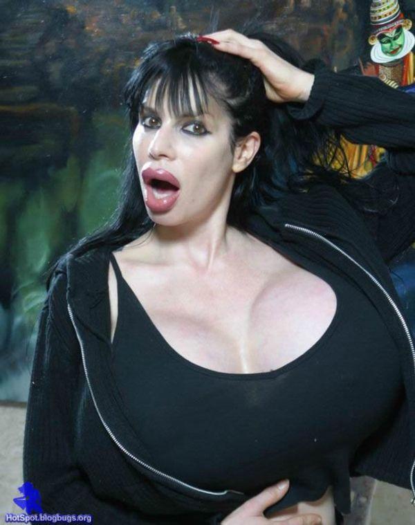 Ужас дня! Женщина-силикон (15 фото)