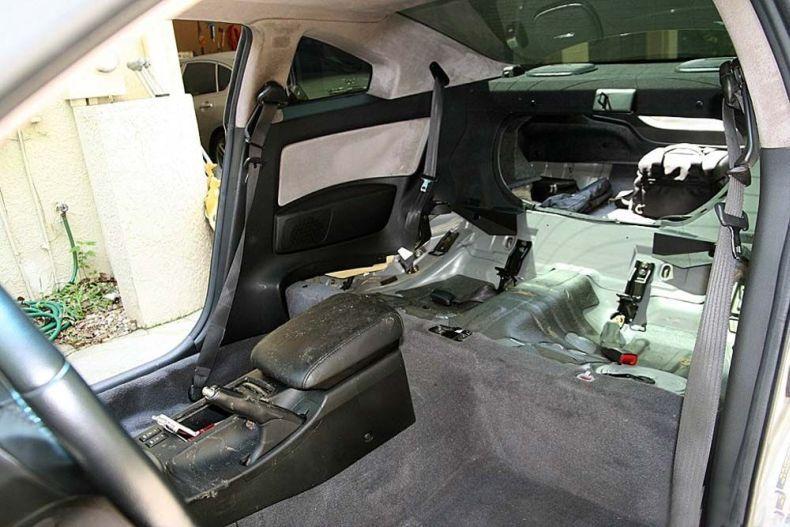 Жесть. Собака в машине (13 фото)