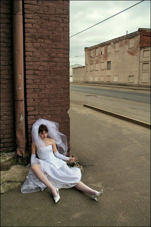 Необычная свадебная фотосессия (18 фото)