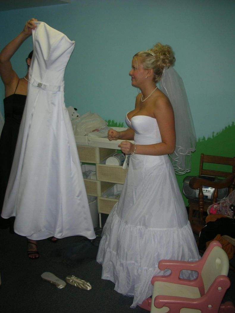 Титькастые невесты фото 18 фотография