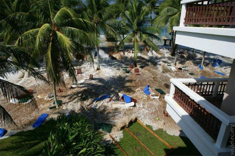 Мини цунами (7 фото)