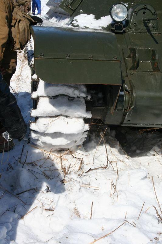Внедорожники против танков (17 фото)