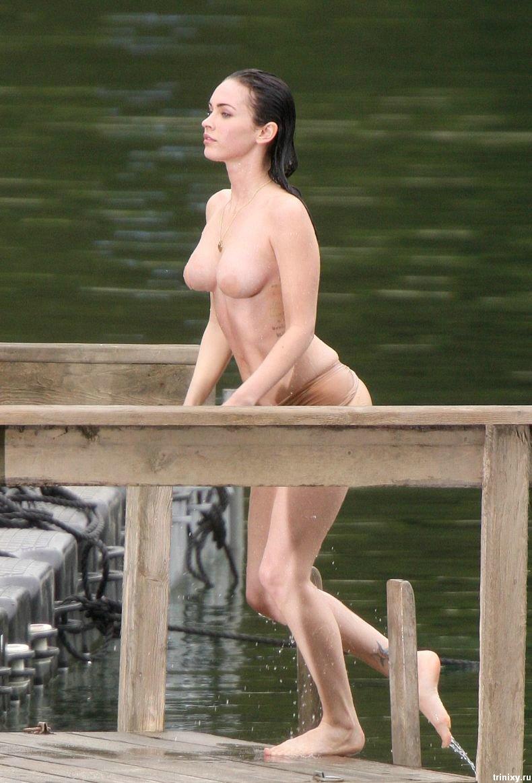 Меган Фокс (Megan Fox) топлесс (15 фото)