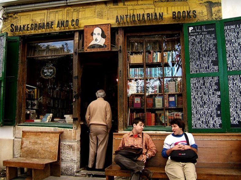 Самые интересные книжные магазины в мире (16 фото)