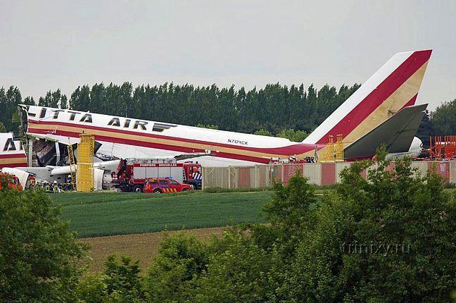 Самолетная авария в Брюсселе (6 фото)