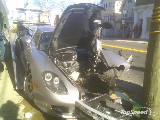 Очередной разбитый суперкар (5 фото)